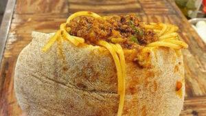 Spaghetti alla bolognese nella pita è l'ultimo trend culinario in Israele