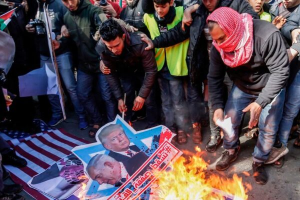 palestinesi protestano
