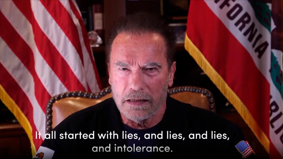 Arnold Schwarzenegger in un video comapar l'attacco al Campidoglio con la Notte dei Cristalli