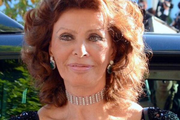 Sophia Loren al Festival di Cannes nel 2014 (foto Wikimedia Commons Georges Biard)