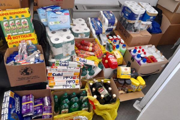 Materiale acquistato con i punti Esselunga in scadenza donati ai servizi sociali della CEM