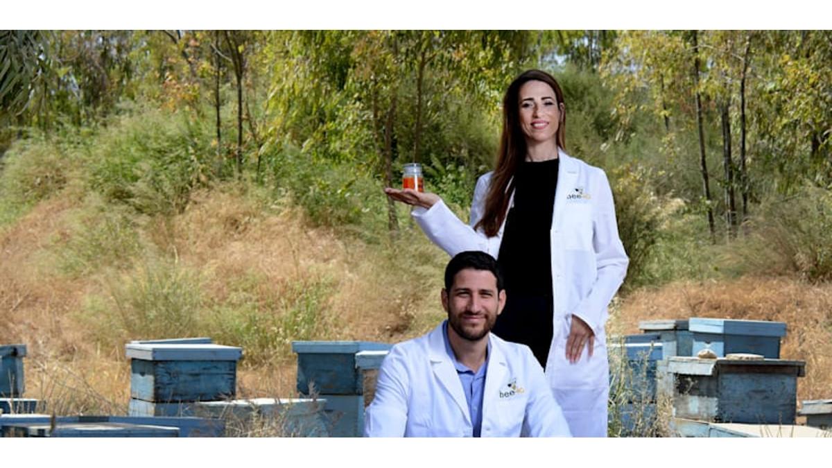 Efrat e Ofir Dvash stanno producendo miele artificiale senza api