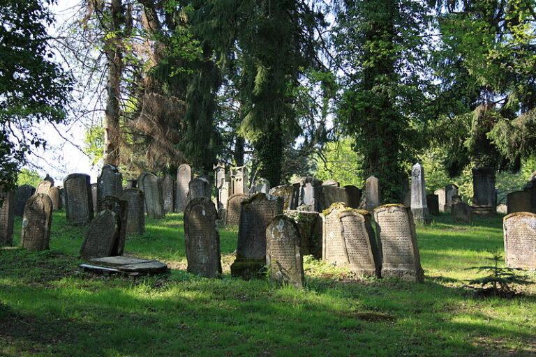 Il cimitero ebraico di Endingen, in Svizzera