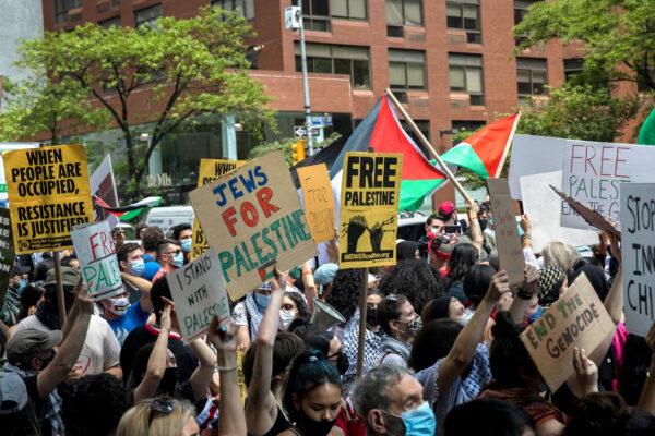 Ebrei americani a una manifestazione per la Palestina