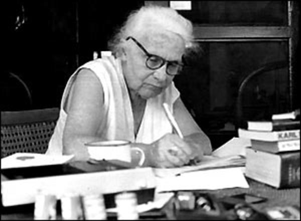 La giornalista ebrea Ruth Weiss