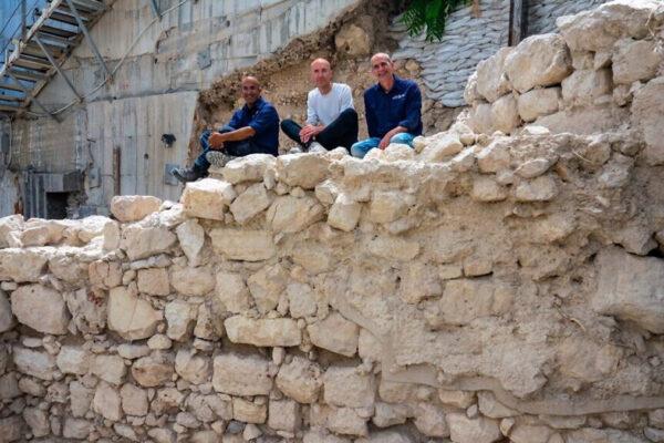 I direttori degli scavi che hanno portato alla luce parti del Primo tempio a Gerusalemme