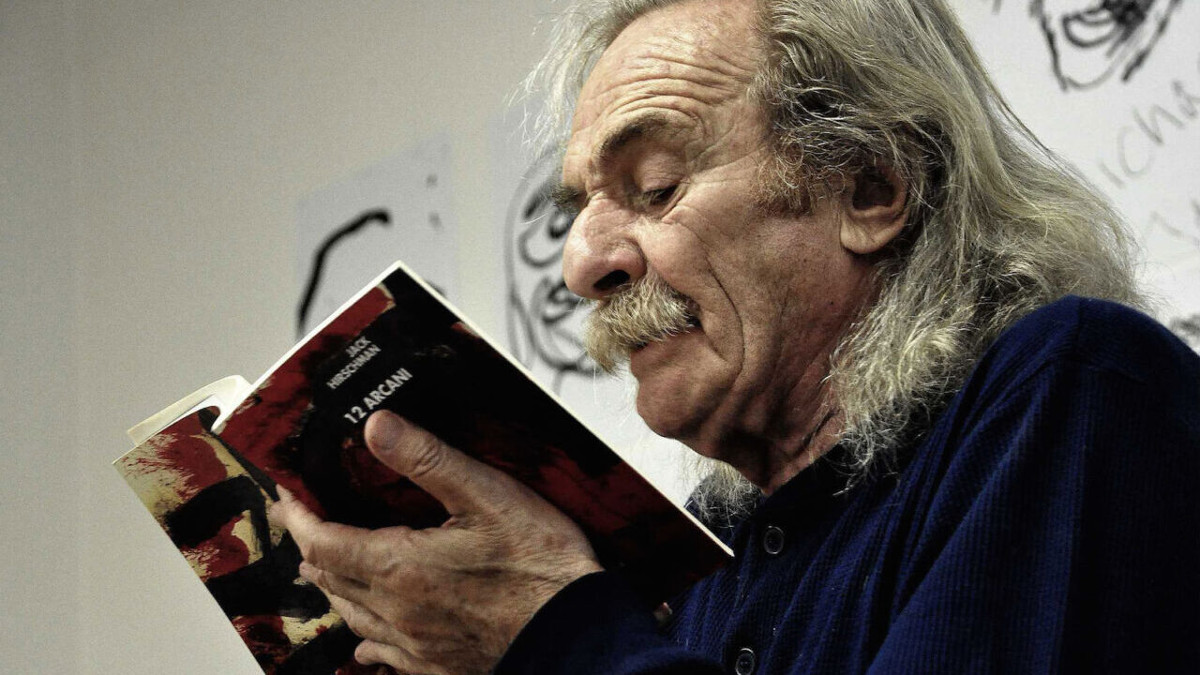 Il poeta Jack Hirschmann