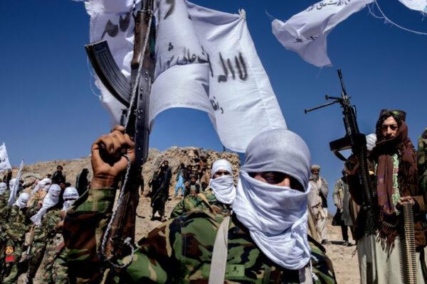 Talebani combattono a Herat (foto di Pascal Maitre, Panos Pictures)