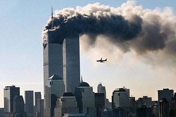 aerei colpiscono le Torri gemelle l'11 settembre 2001