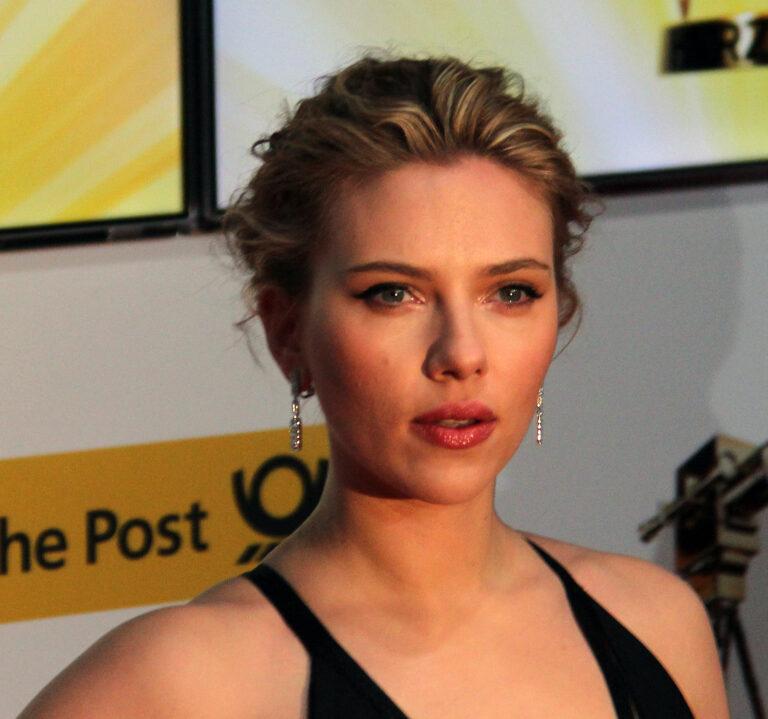 L'attrice Scarlett Johansson è inserita nella classifica 2021 del Time