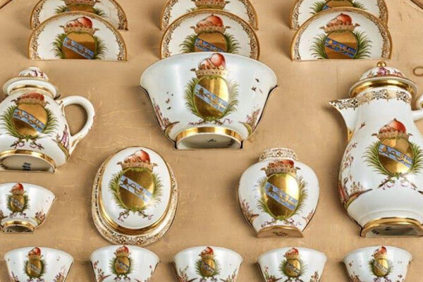 Porcellane della famiglia Oppenheimer vendute all'asta da Sotheby's