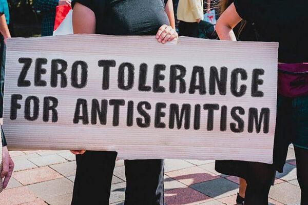 Manifestazione contro antisemitismo in un campus americano